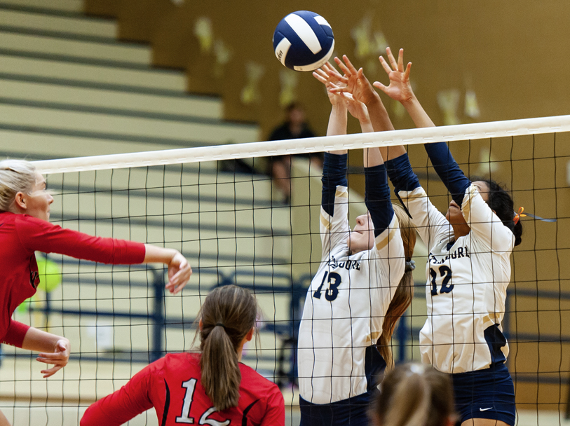 PHOTO GALLERY: Cats Top Jags in SW Showdown Volleyball